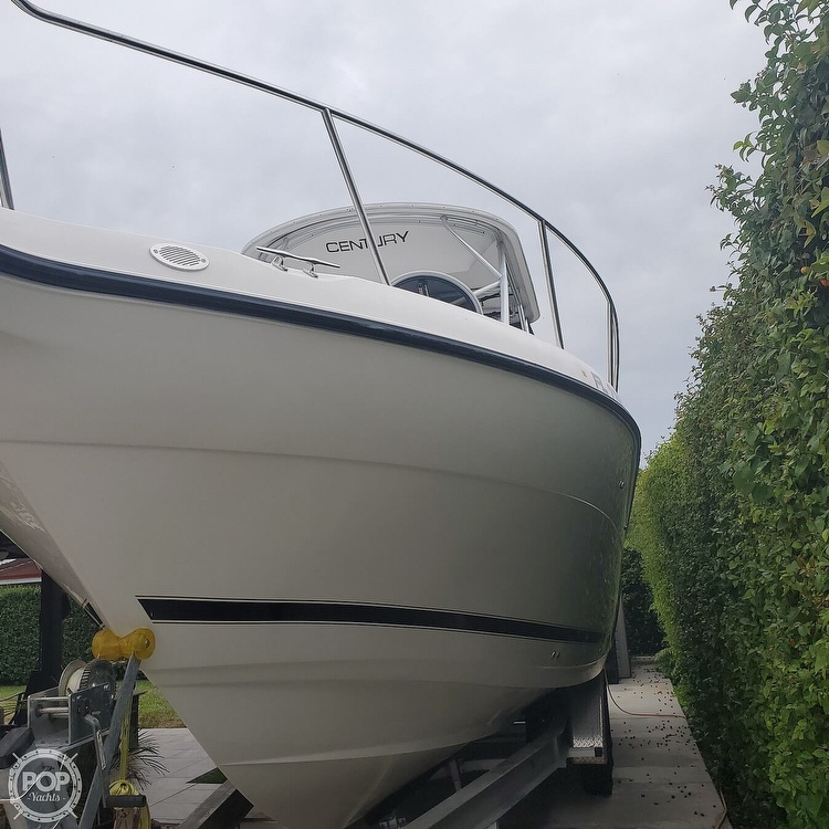 2002 Century boat for sale, model of the boat is 3200 Walkaround & Image # 3 of 40