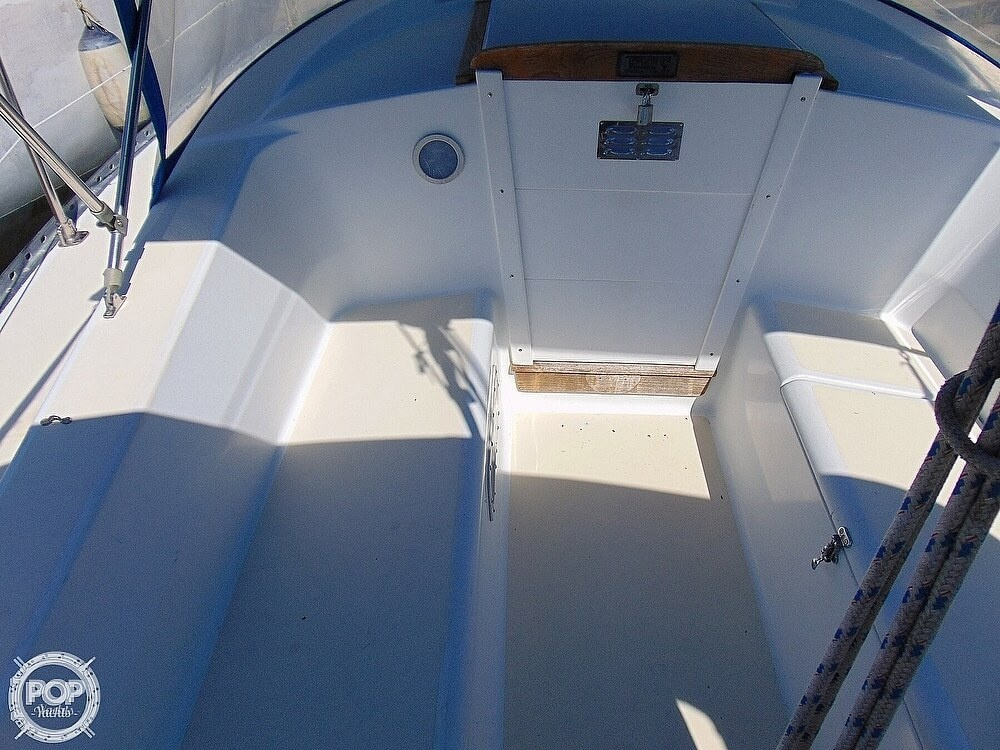 1980 Tartan boat for sale, model of the boat is 33 & Image # 15 of 40
