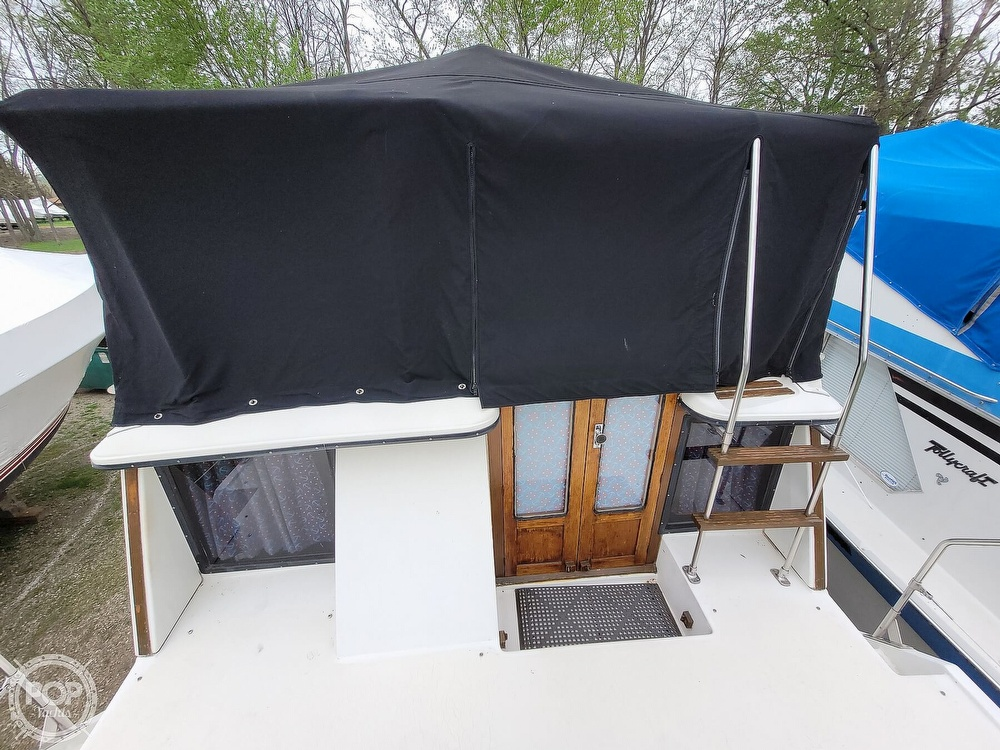 1984 Carver boat for sale, model of the boat is 3207 & Image # 39 of 40