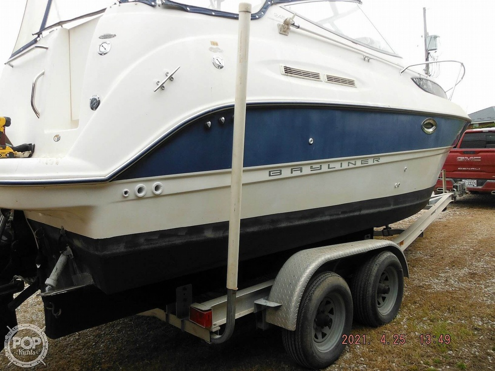 2004 Bayliner boat for sale, model of the boat is 245 SB & Image # 8 of 40