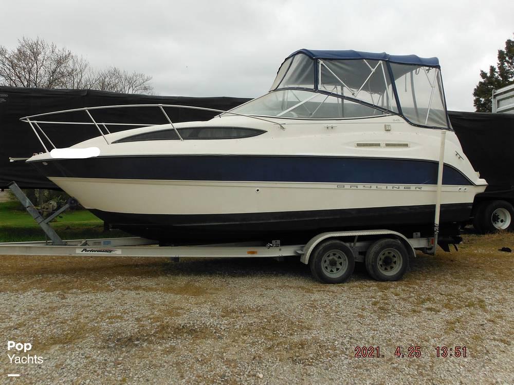 2004 Bayliner boat for sale, model of the boat is 245 SB & Image # 4 of 40