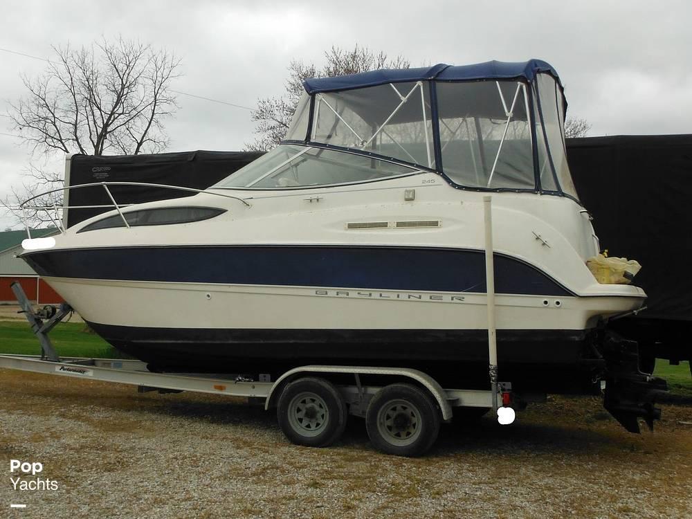 2004 Bayliner boat for sale, model of the boat is 245 SB & Image # 5 of 40
