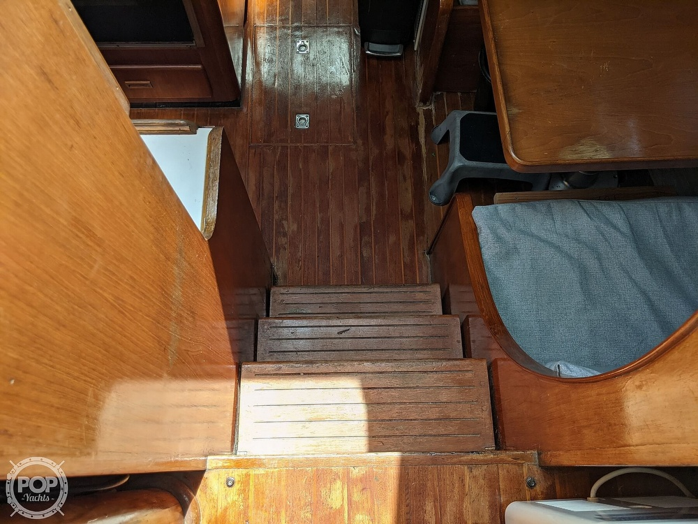 1984 President boat for sale, model of the boat is 41 DC & Image # 19 of 40