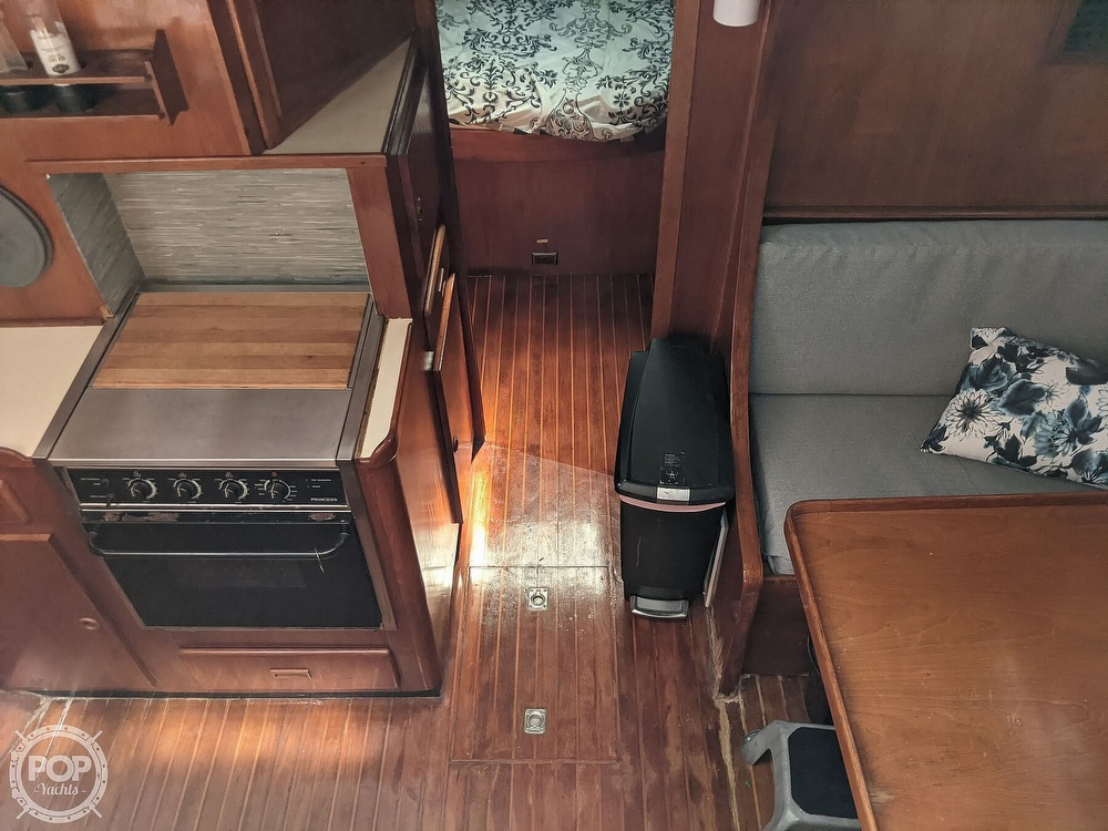 1984 President boat for sale, model of the boat is 41 DC & Image # 21 of 40