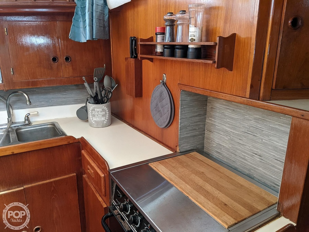 1984 President boat for sale, model of the boat is 41 DC & Image # 25 of 40