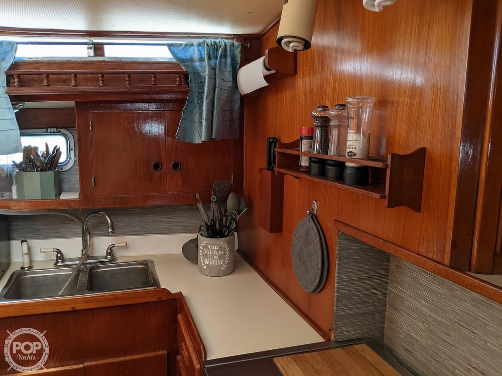 1984 President boat for sale, model of the boat is 41 DC & Image # 24 of 40