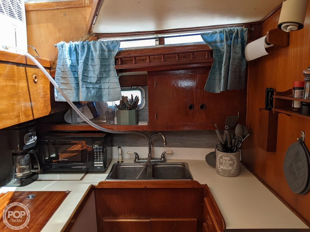 1984 President boat for sale, model of the boat is 41 DC & Image # 23 of 40