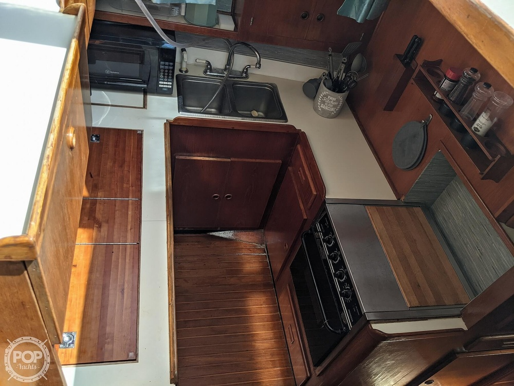 1984 President boat for sale, model of the boat is 41 DC & Image # 22 of 40