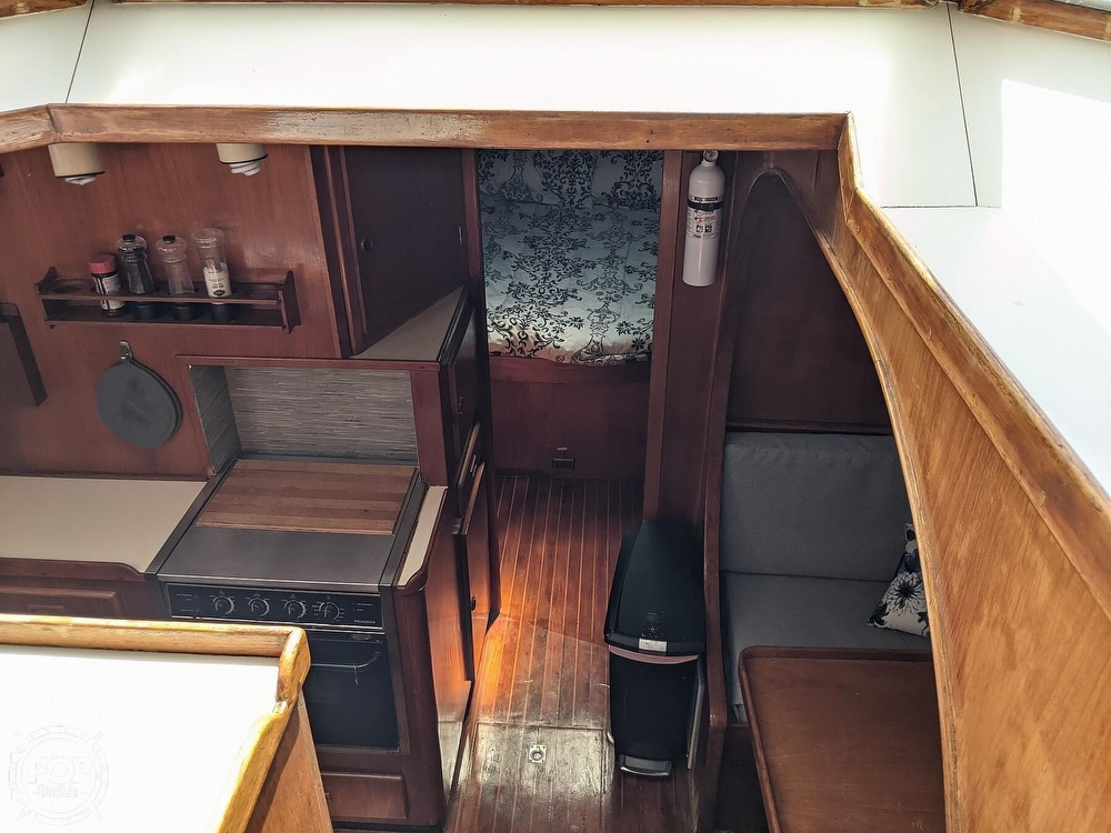 1984 President boat for sale, model of the boat is 41 DC & Image # 17 of 40