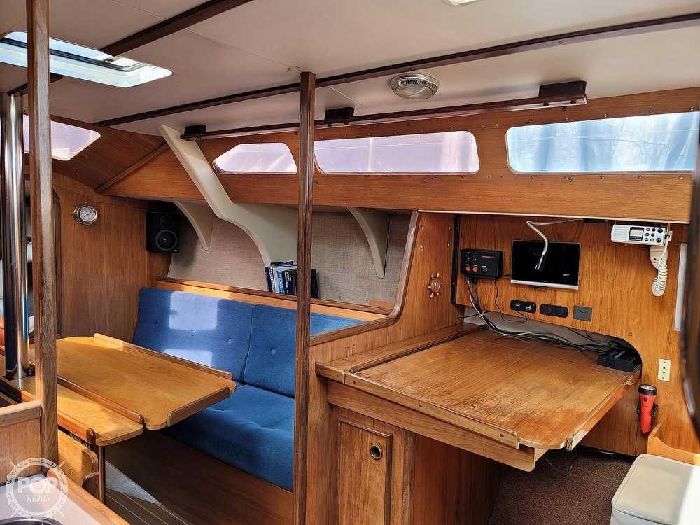 1984 Jeanneau boat for sale, model of the boat is Attalia 32 & Image # 12 of 40