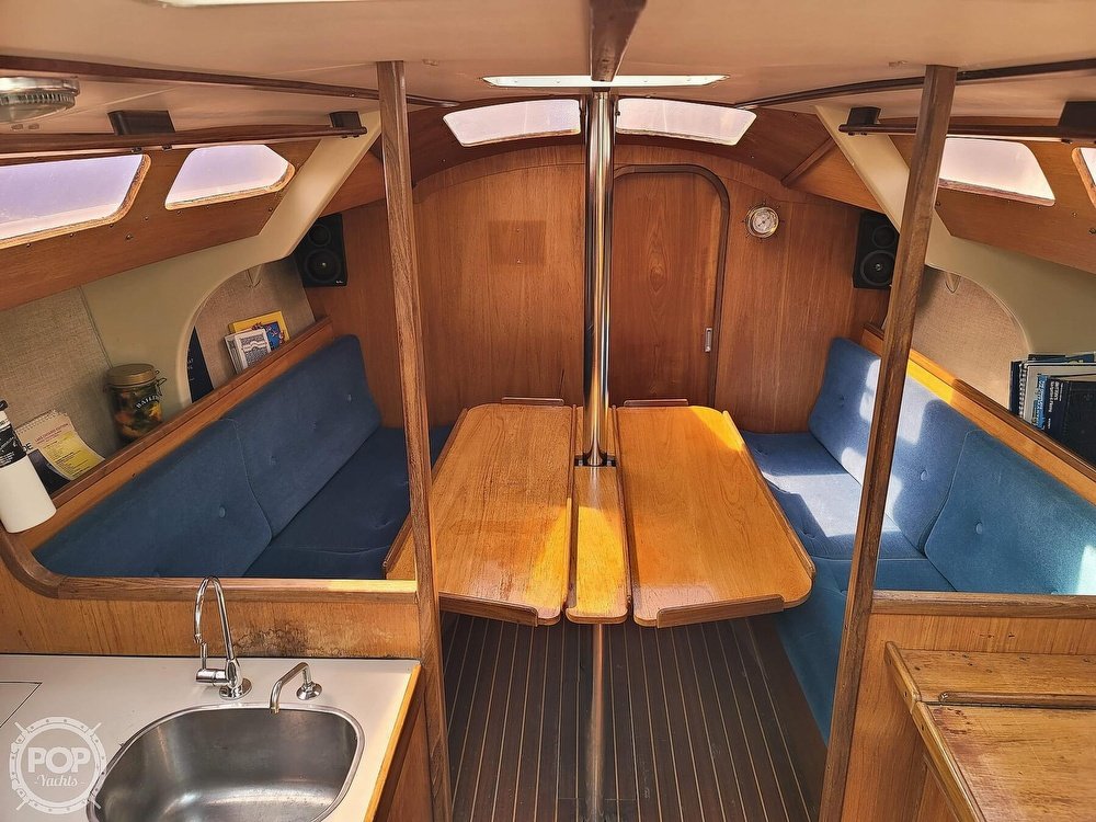 1984 Jeanneau boat for sale, model of the boat is Attalia 32 & Image # 14 of 40