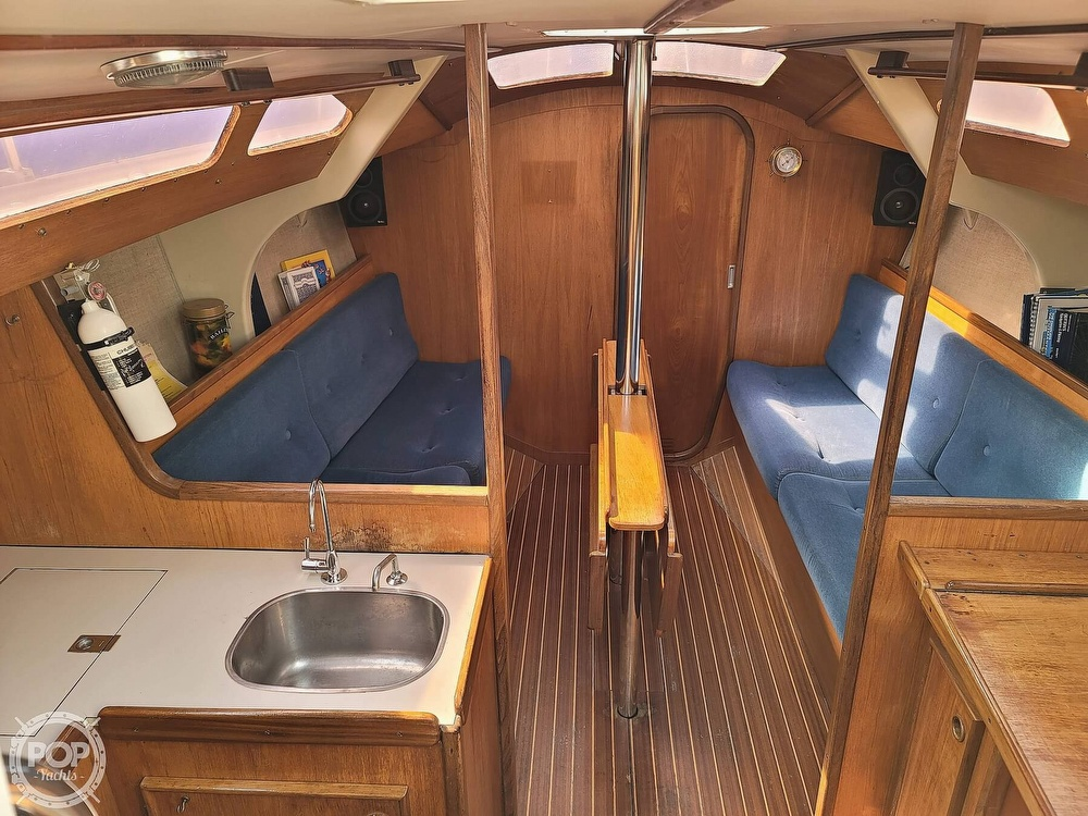1984 Jeanneau boat for sale, model of the boat is Attalia 32 & Image # 15 of 40