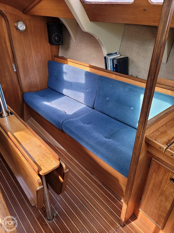 1984 Jeanneau boat for sale, model of the boat is Attalia 32 & Image # 17 of 40