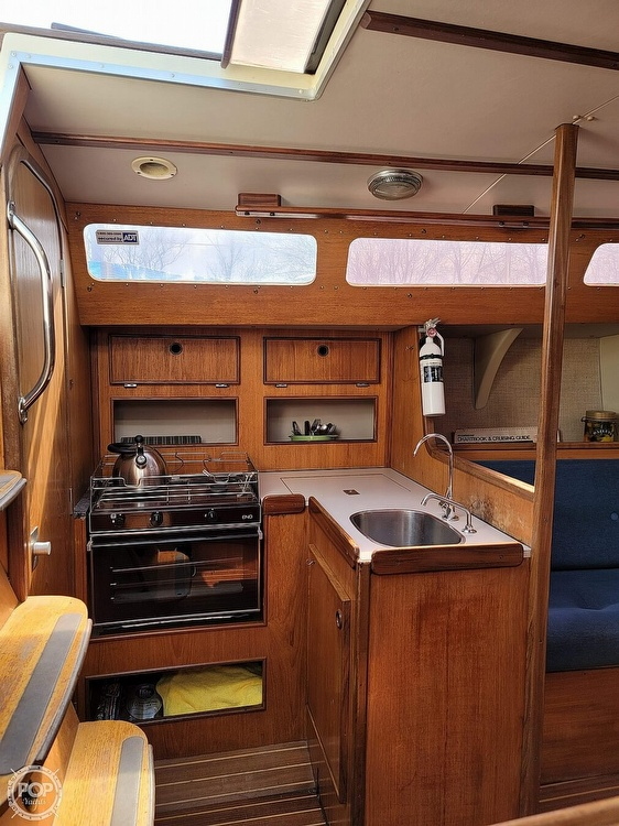 1984 Jeanneau boat for sale, model of the boat is Attalia 32 & Image # 18 of 40