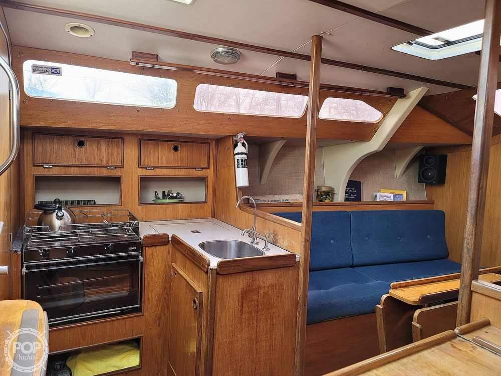 1984 Jeanneau boat for sale, model of the boat is Attalia 32 & Image # 19 of 40