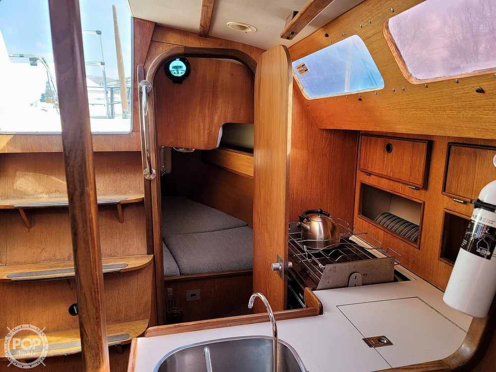 1984 Jeanneau boat for sale, model of the boat is Attalia 32 & Image # 31 of 40