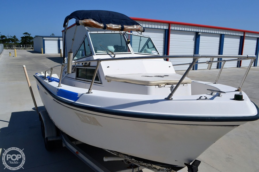 1984 Grady-White boat for sale, model of the boat is Overnighter 204-C & Image # 2 of 40