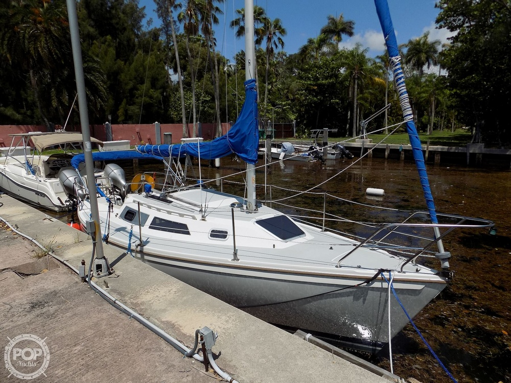 1990 Catalina Yachts boat for sale, model of the boat is Capri 26 & Image # 10 of 40