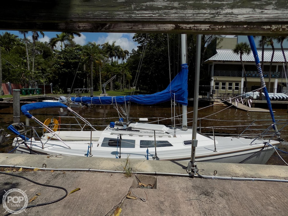 1990 Catalina Yachts boat for sale, model of the boat is Capri 26 & Image # 14 of 40