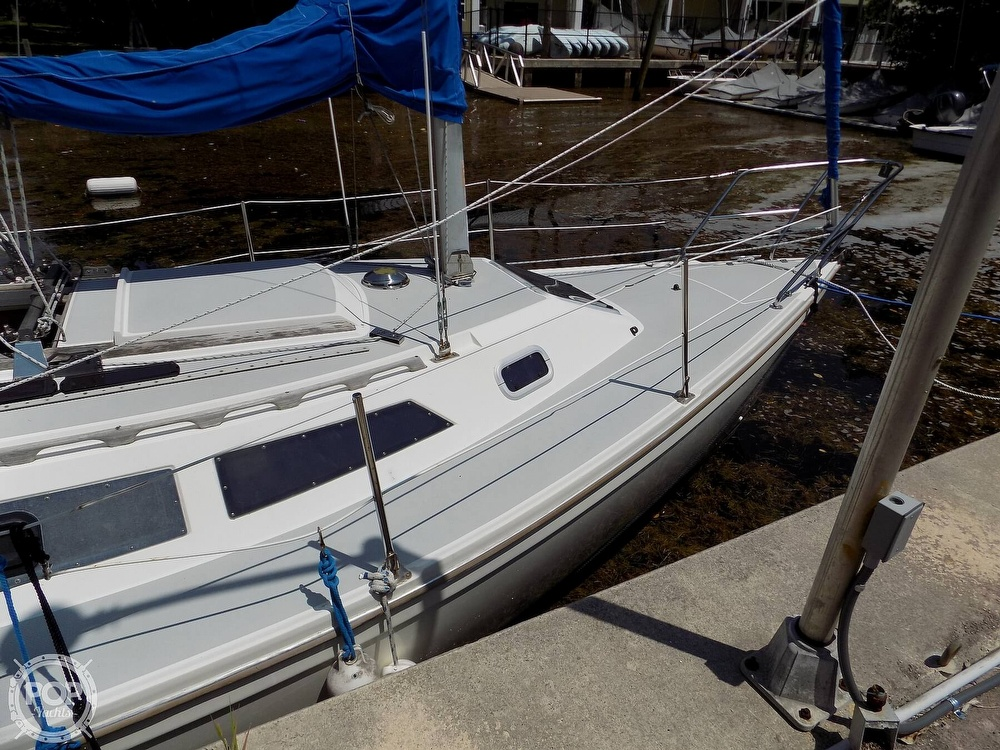 1990 Catalina Yachts boat for sale, model of the boat is Capri 26 & Image # 12 of 40