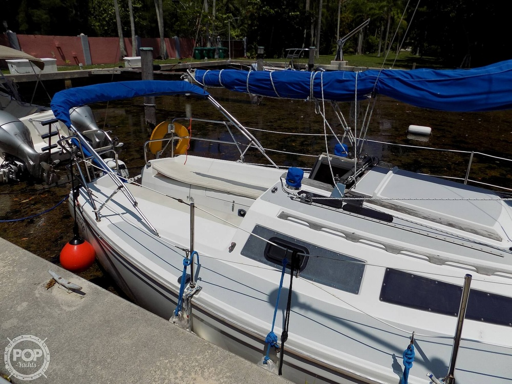 1990 Catalina Yachts boat for sale, model of the boat is Capri 26 & Image # 15 of 40
