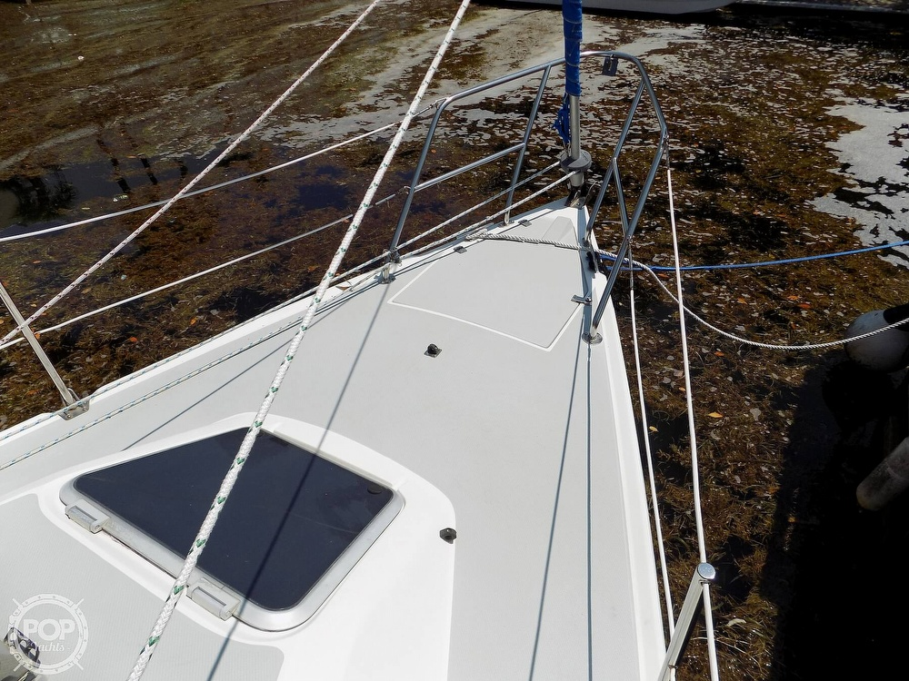 1990 Catalina Yachts boat for sale, model of the boat is Capri 26 & Image # 16 of 40