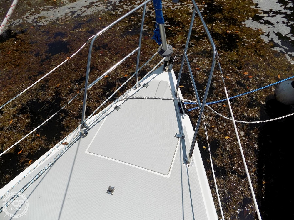 1990 Catalina Yachts boat for sale, model of the boat is Capri 26 & Image # 17 of 40