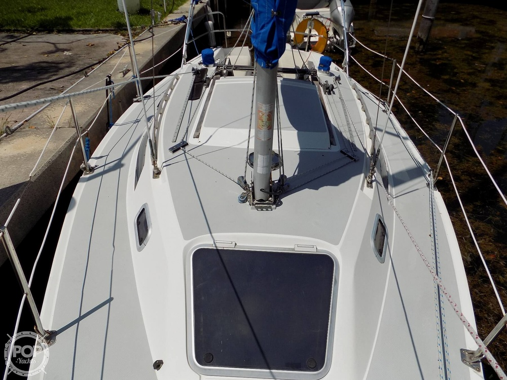 1990 Catalina Yachts boat for sale, model of the boat is Capri 26 & Image # 18 of 40
