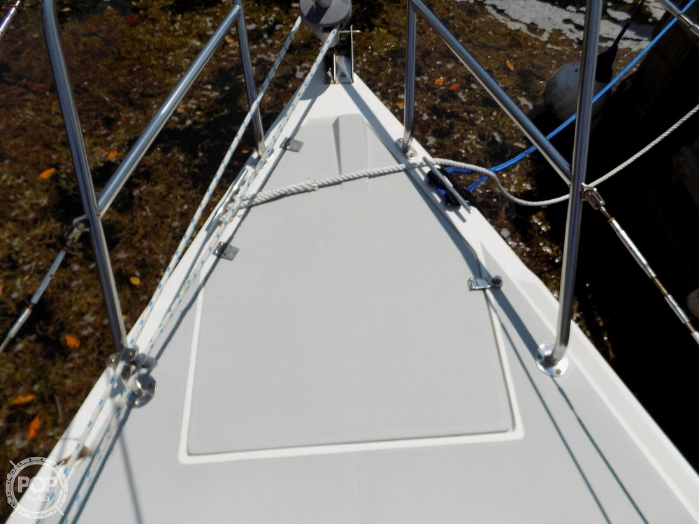 1990 Catalina Yachts boat for sale, model of the boat is Capri 26 & Image # 20 of 40