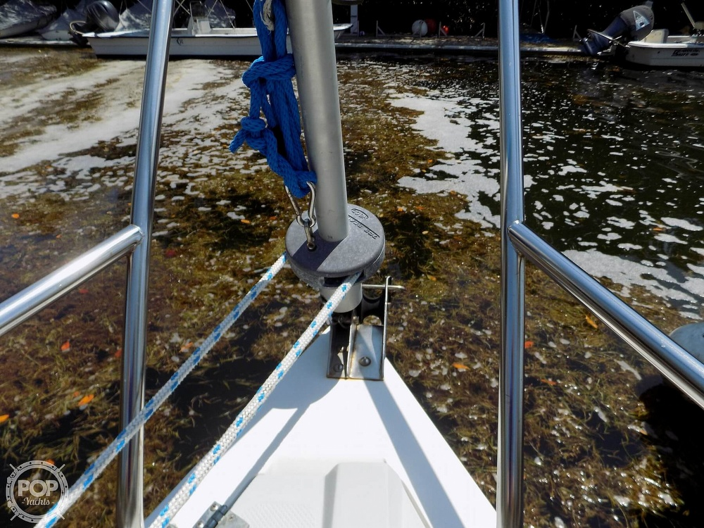 1990 Catalina Yachts boat for sale, model of the boat is Capri 26 & Image # 21 of 40