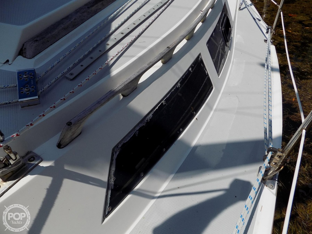 1990 Catalina Yachts boat for sale, model of the boat is Capri 26 & Image # 26 of 40