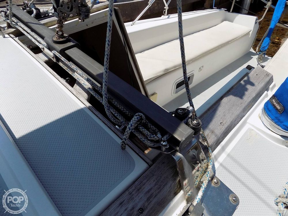 1990 Catalina Yachts boat for sale, model of the boat is Capri 26 & Image # 29 of 40