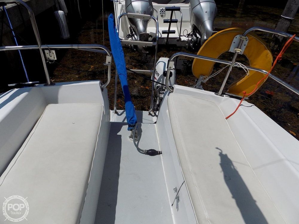 1990 Catalina Yachts boat for sale, model of the boat is Capri 26 & Image # 36 of 40