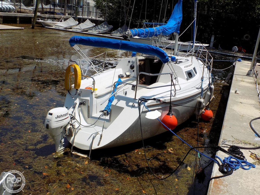1990 Catalina Yachts boat for sale, model of the boat is Capri 26 & Image # 8 of 40