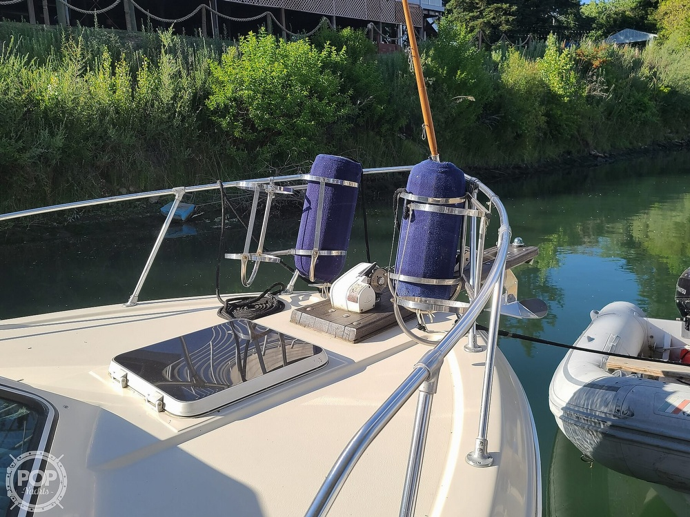 1986 Chris Craft boat for sale, model of the boat is Catalina 291 & Image # 14 of 40