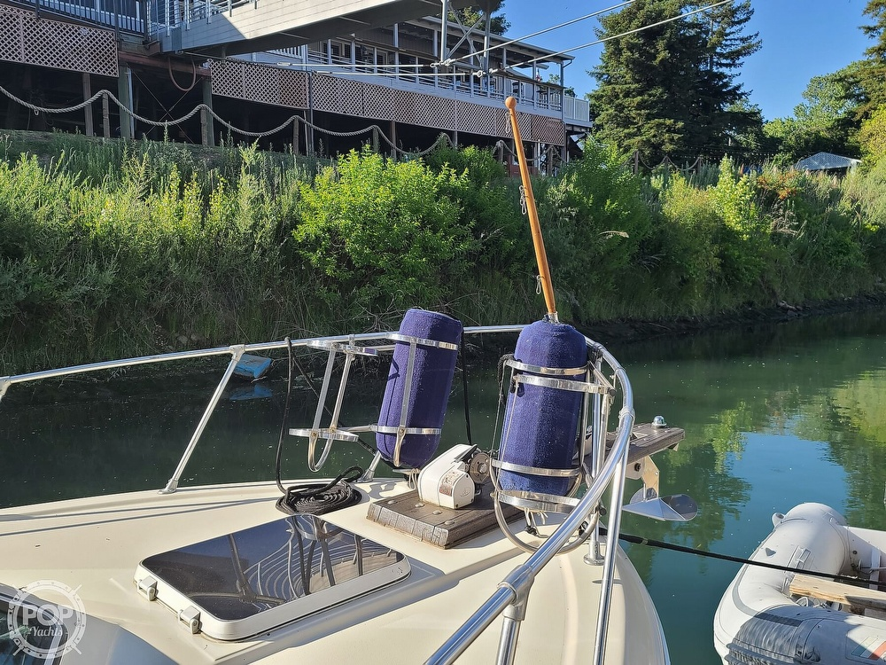 1986 Chris Craft boat for sale, model of the boat is Catalina 291 & Image # 15 of 40