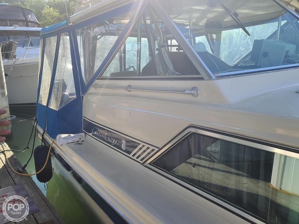 1986 Chris Craft boat for sale, model of the boat is Catalina 291 & Image # 21 of 40