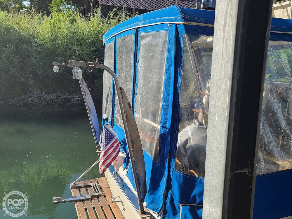 1986 Chris Craft boat for sale, model of the boat is Catalina 291 & Image # 23 of 40