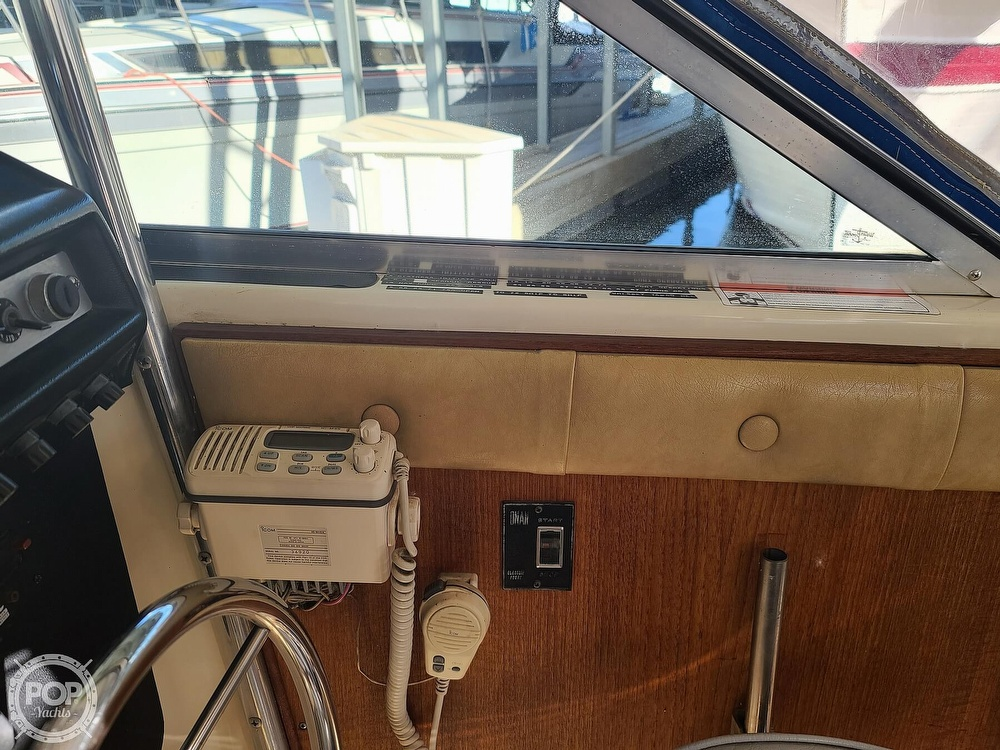 1986 Chris Craft boat for sale, model of the boat is Catalina 291 & Image # 29 of 40