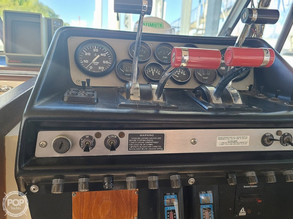 1986 Chris Craft boat for sale, model of the boat is Catalina 291 & Image # 31 of 40