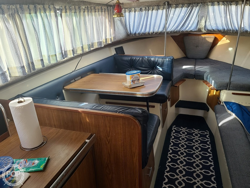 1986 Chris Craft boat for sale, model of the boat is Catalina 291 & Image # 3 of 40