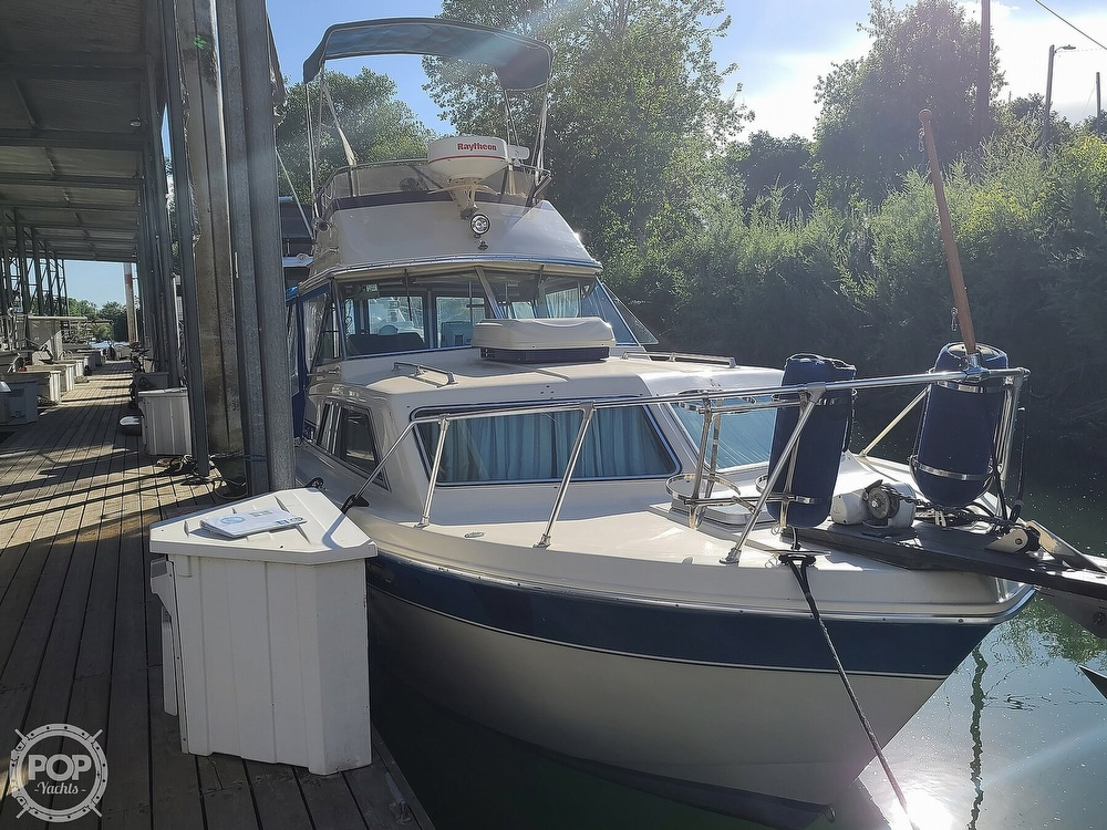 1986 Chris Craft boat for sale, model of the boat is Catalina 291 & Image # 10 of 40