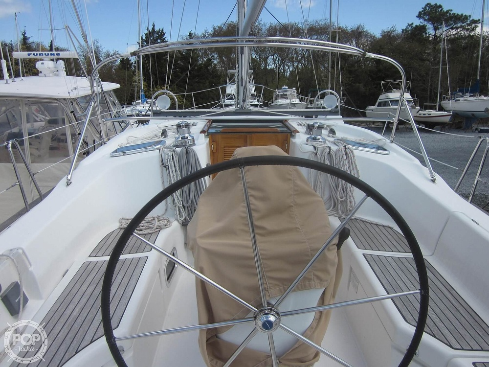 2006 Beneteau boat for sale, model of the boat is 423 & Image # 32 of 40