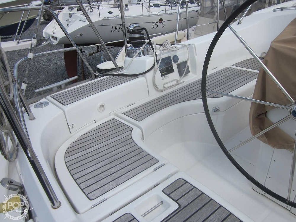 2006 Beneteau boat for sale, model of the boat is 423 & Image # 33 of 40