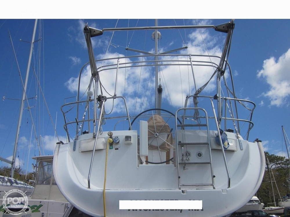 2006 Beneteau boat for sale, model of the boat is 423 & Image # 27 of 40