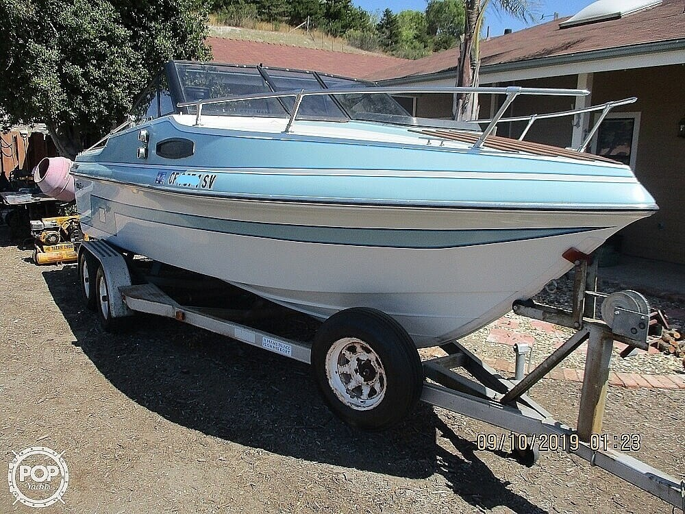 1992 Hydro Swift boat for sale, model of the boat is II 2200 & Image # 2 of 15
