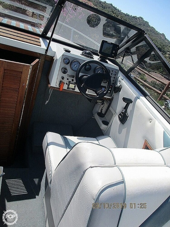 1992 Hydro Swift boat for sale, model of the boat is II 2200 & Image # 3 of 15