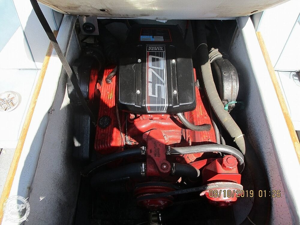 1992 Hydro Swift boat for sale, model of the boat is II 2200 & Image # 5 of 15