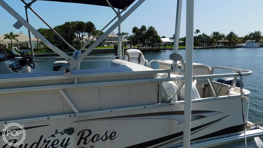 2010 SunChaser boat for sale, model of the boat is 820 & Image # 3 of 40