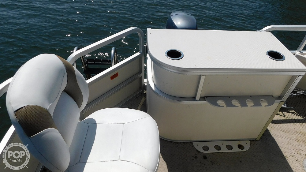 2010 SunChaser boat for sale, model of the boat is 820 & Image # 39 of 40